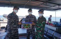 Bingkisan Lebaran dari Panglima TNI Diserahkan ke Lanal Sangatta - JPNN.com