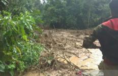 Lima Warga Tertimbun Tanah Longsor saat Memperbaiki Mesin Pembangkit Listrik - JPNN.com