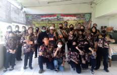 Wanita FKPPI Bantu Janda dan Yatim Piatu di Lingkungan TNI/Polri Terdampak COVID-19 - JPNN.com