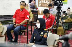 Difasilitasi Bea Cukai, Dua Perusahaan Ini Impor dan Donasikan APD ke Pemprov Lampung - JPNN.com