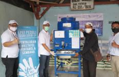 LPEI Beri Paket Sembako dan Wastafel Portable kepada Warga Muara Angke - JPNN.com
