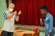 Mahasiswa Thailand dan Somalia Galau tak Bisa Pulang, Untung Pak Ganjar Datang - JPNN.com