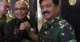 Sentil Menteri Yasonna, Petrus Selestinus: RPerpres Mereduksi Fungsi TNI
