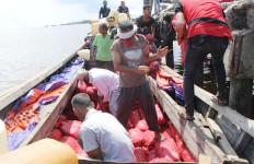 Bea Cukai dan TNI Gagalkan Penyelundupan 11 Ton Bawang Merah Ilegal Asal Malaysia - JPNN.com