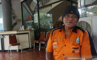 Kena PHK, Tak Punya Uang, Warga Solo Mudik Jalan Kaki dari Jakarta