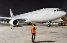 Bersejarah, Pesawat Komersial Uni Emirat Arab Mendarat di Israel - JPNN.com