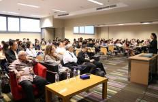 Kompleksitas dan Proteksi Hukum Bisnis Platform Digital - JPNN.com