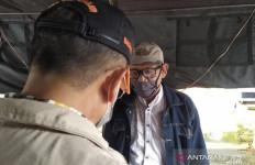 Pemudik Jalani Rapid Test Corona di Perbatasan - JPNN.com