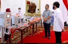 Bangganya, Jokowi Meluncurkan Alat Kesehatan Covid-19 Karya Anak Bangsa - JPNN.com