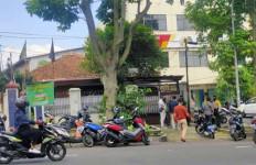 Anggota Polresta Bogor Kota Dikeroyok, Dor! Ada Tembakan - JPNN.com