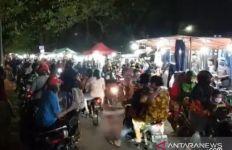 Indonesia Terserah! Sudah Dibubarkan, Pasar Malam BKT Ramai Lagi - JPNN.com