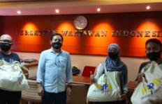 Alhamdulilah PWI Peduli Menyalurkan Bantuan untuk Wartawan Terdampak Covid-19 - JPNN.com