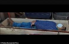 Ketahuan Mabuk-mabukan, Wali Kota Pura-Pura Mati saat Didatangi Polisi - JPNN.com