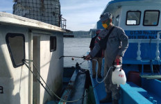 Cegah Covid-19, Kamla Zona Maritim Timur Rutin Melakukan Penyemprotan Disinfektan - JPNN.com
