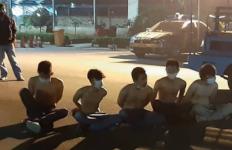 1 Cewek ABG dan 5 Pria Tertangkap Basah Berbuat Terlarang saat Malam Takbiran - JPNN.com