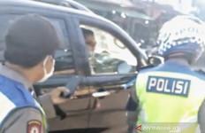 Oknum Polisi Arogan Pengendara Fortuner, Tidak Lagi Dinas di Bagian SIM - JPNN.com