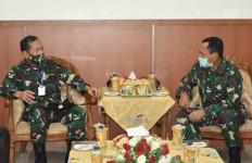 Dua Panglima Bertemu Sebelum Melepas Satgas Pamtas Yonif Mekanis 516/CY ke Papua - JPNN.com