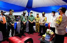 Laksma TNI Hanarko Bersama Rombongan Naik Bus Langsung Menuju Pos Pengamanan, Ada Apa? - JPNN.com