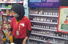 Minimarket di Dekat Markas Polisi Dirampok, 50 Slof Rokok dan Alat Komestik Hilang - JPNN.com
