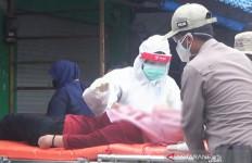 Wanita 35 Tahun Tiba-tiba Jatuh Pingsan di Tengah Rapid Test Massal, Begini Jadinya - JPNN.com