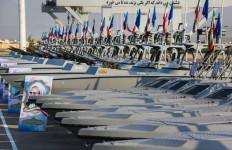 Punya 110 Kapal Perang Baru, Garda Revolusi Iran Langsung Tantang AL Amerika - JPNN.com