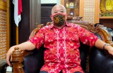 Khofifah dan Bu Risma Berseteru, Ketua DPRD Jatim yang Malu Berat - JPNN.com