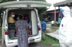 Semua Takut jadi Sopir Ambulans COVID-19, Anggota TNI AL Sigap, Luar Biasa - JPNN.com