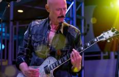Berita Duka, Gitaris Band Rock Legendaris Kiss Meninggal Dunia - JPNN.com