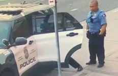 Lihat, Ada Video George Floyd Dihajar di Dalam Mobil Polisi - JPNN.com