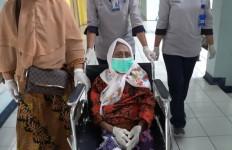 Dokter Tjipto Mengungkap Perilaku Nenek Warga Surabaya, Sungguh Mencengangkan. Aminah Kaget - JPNN.com