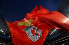 Dua Pemain Benfica Terluka Usai Bus Diserang - JPNN.com