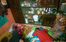 Longsor Terjang Rumah di Solok, Dua Orang Meninggal Dunia, Satu Luka-luka - JPNN.com