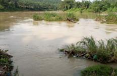 Mayat Laki-laki di Aliran Sungai Itu Bikin Geger Warga - JPNN.com