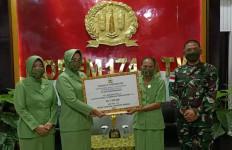Luar Biasa! Istri Prajurit TNI Ini Resmi Jadi Kepala Kampung di Perbatasan RI-PNG - JPNN.com