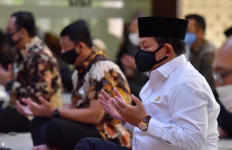Seskab Pramono Anung Senang bisa Salat Jumat Berjemaah lagi di Istana - JPNN.com