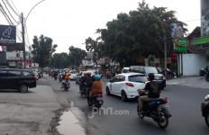 PSBB Jilid III Tangsel, Jalan Raya Tetap Macet - JPNN.com
