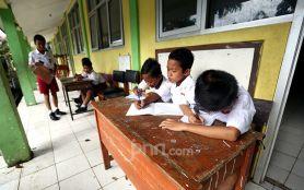 Biaya Sekolah 2.416 Anak MBR Ditanggung Orang Tua Asuh dari ASN- JPNN.com Jatim