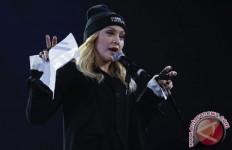 Madonna Ikut Turun ke Jalan, Memeluk Para Demonstran - JPNN.com
