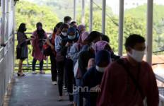 Membeludak, Penumpang KRL Sudah Capai 150 Ribu Orang - JPNN.com