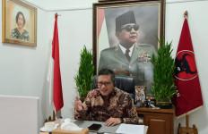 Bendera PDIP Dibakar, Hasto: Kami Tetap Solid - JPNN.com
