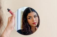 Mengenal Jharna Bhagwani, MUA yang Viral Karena Lathi Challenge - JPNN.com