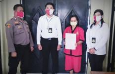 Wanita Oknum Honorer Ini Raup Nyaris Rp100 Juta dari Hasil Mengibuli Mahasiswa, Begini Modusnya - JPNN.com