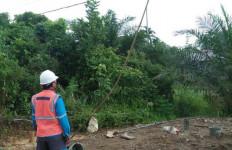 Penggali Sumur Bor Tersengat Listrik, Satu Orang Tewas Terbakar, Korban Lainnya Sekarat - JPNN.com