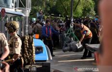 Amerika Serikat Makin Panas, Demonstran Merobohkan Patung Christopher Columbus - JPNN.com