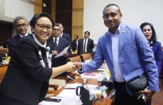 Yan Mandenas Gerindra Soroti Sejumlah Isu Termasuk Soal Rasialisme - JPNN.com