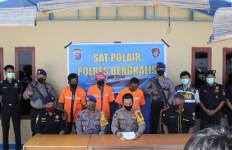 Bea Cukai Bengkalis Tindak Penyelundupan 600 Karung Gula dari Malaysia - JPNN.com