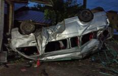 Kecelakaan Maut di Bireuen, Bayi 3 Tahun Meninggal Dunia, Lihat Kondisi Mobilnya - JPNN.com