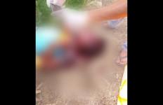 Pemuda Ini Tebas Leher Sepupu, Darah Langsung Mengucur, Mengerikan! - JPNN.com