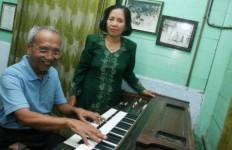 Sartono, Pencipta Lagu Hymne Guru yang Mulai Terganggu Daya Ingatnya - JPNN.com