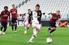 Dramatis! Ronaldo Gagal Penalti dan Ada Tendangan Kungfu Berbuah Kartu Merah - JPNN.com